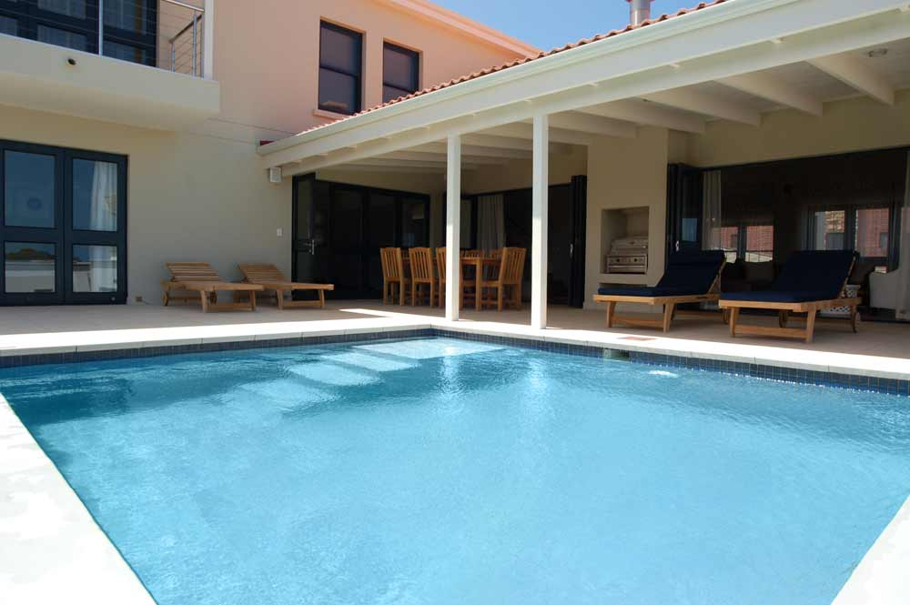 Sea House, Knysna group accommodation; From pool to house