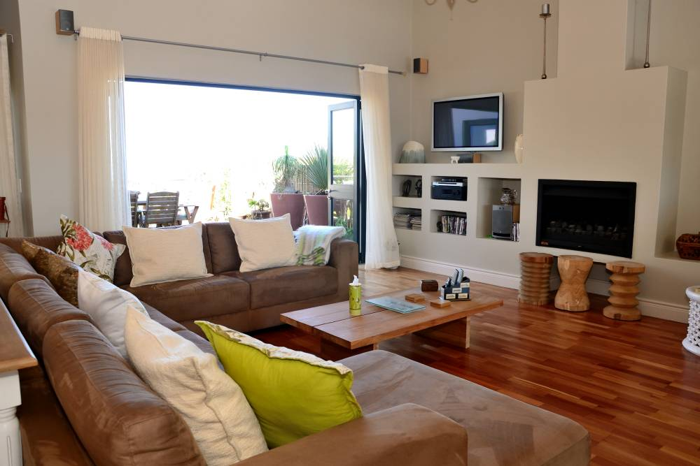 Sea House, Knysna group accommodation; Open the slide & stack doors and let the outside in