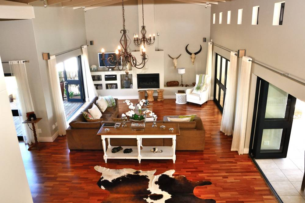 Sea House, Knysna group accommodation; Contemporary, eclectic interior