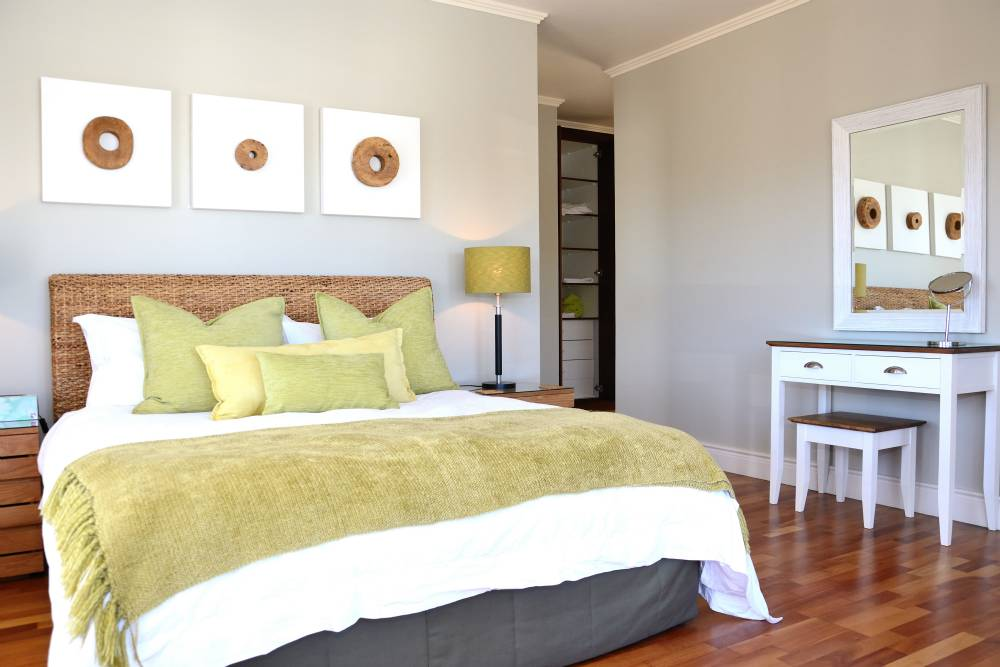 Sea House, Knysna group accommodation; The ground floor bedroom suite