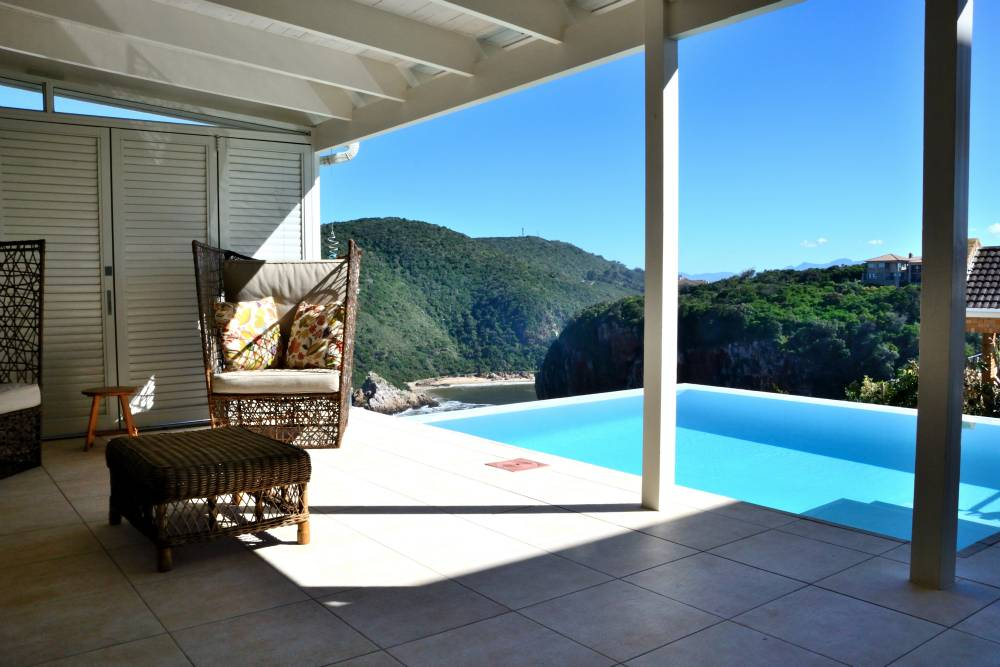 Sea House, Knysna group accommodation; The Outeniquas in the distance