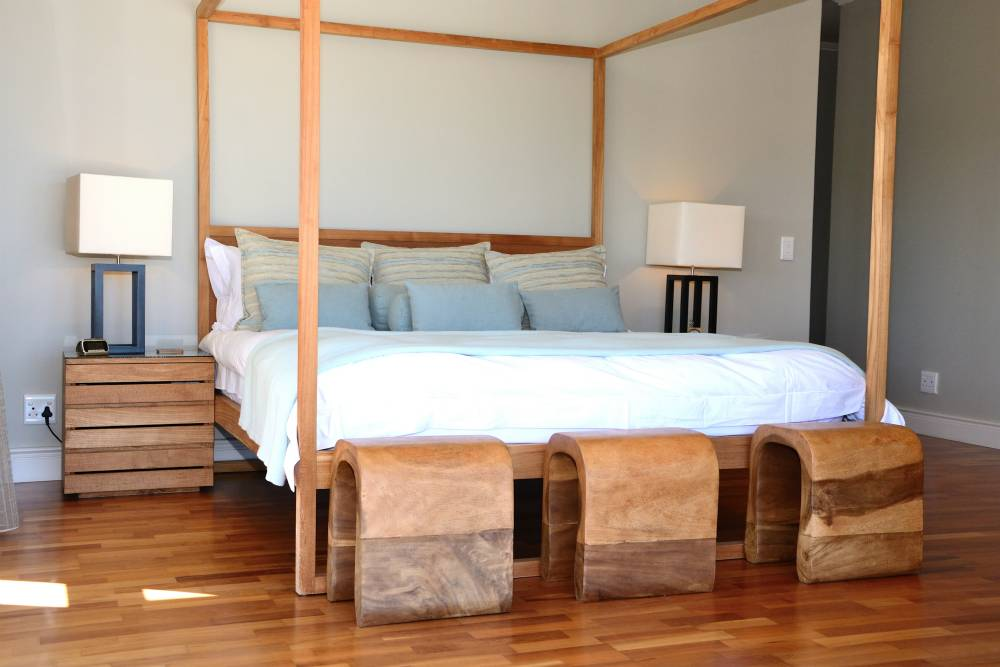 Sea House, Knysna group accommodation; Beautifully appointed