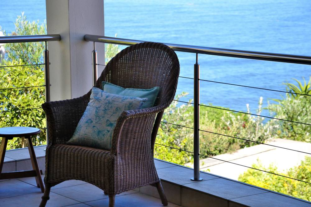 Sea House, Knysna group accommodation; A place for contemplation