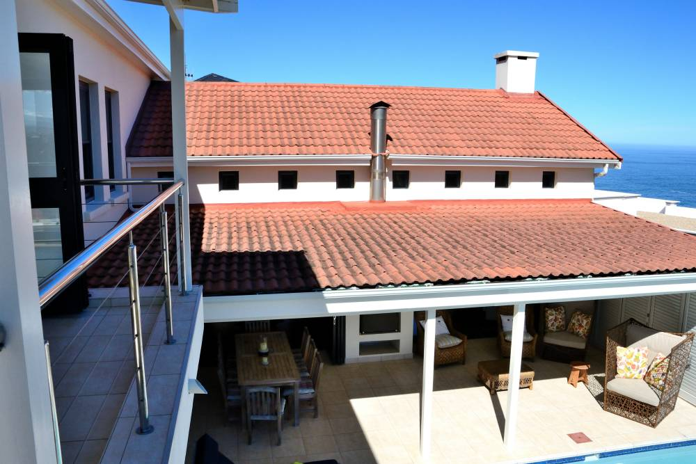 Sea House, Knysna group accommodation; A design for comfort