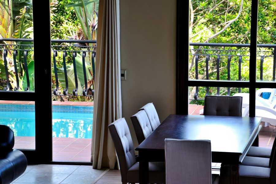 Villa Seaview, Knysna heads villa accommodation; Dining & Pool areas