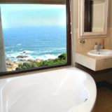 Villa Seaview, Knysna heads villa accommodation; Watch whales from the bathtub in Bedroom 3's en-suite