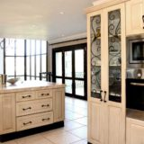 Villa Seaview, Knysna heads villa accommodation; The user-friendly kitchen