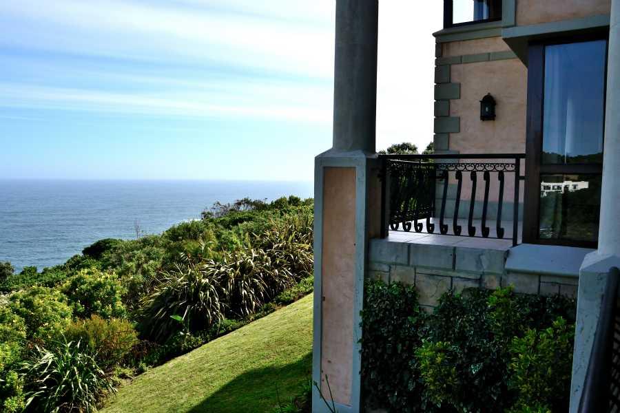 Villa Seaview, Knysna heads villa accommodation; Private and not overlooked