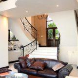 Villa Seaview, Knysna heads villa accommodation; Sweeping lines and grand styling