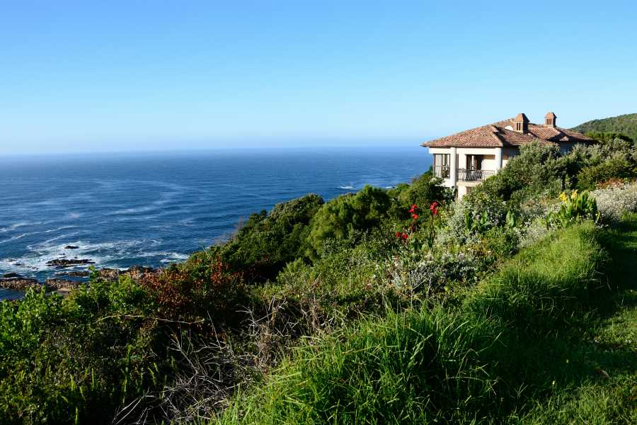Villa Seaview, Knysna heads villa accommodation; Villa Seaview is a unique property – in a very special location
