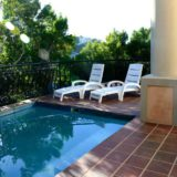 Villa Seaview, Knysna heads villa accommodation; The pool is child-friendly and heated