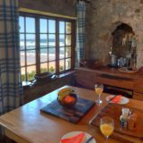 Lindsay Castle, country-style kitchen