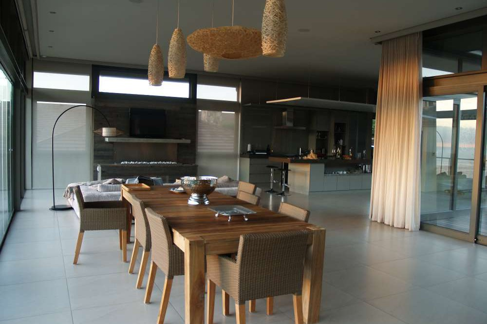 Blue Horizon, Golf estate accommodation; Every space is beautiful and tastefully appointed - the Dining Area