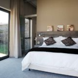 Blue Horizon, Knysna, Golf estate accommodation; Bedroom 2 and en-suite