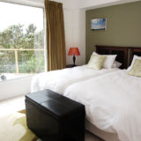 Eagle House, Knysna Heads Accommodation: Double bedroom – pool side apartment