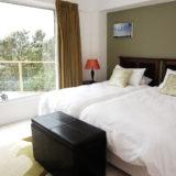 Eagle House, Knysna Heads Accommodation: Double bedroom – pool side apartment
