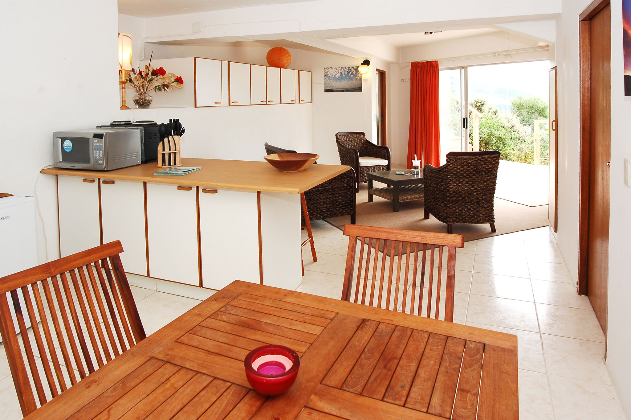 Eagle House, Knysna Heads Accommodation; Airy and great for groups enjoying the pool