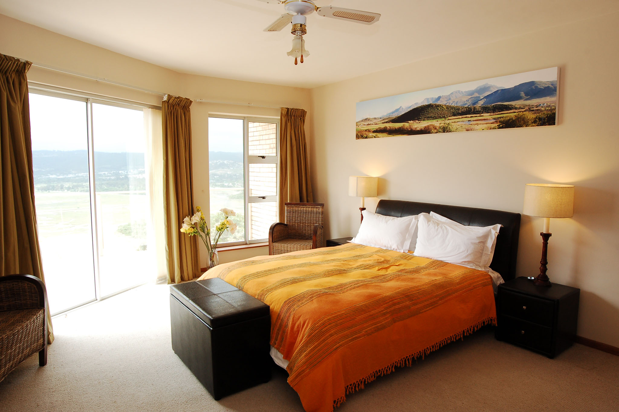 Eagle House, Knysna Heads Accommodation; The Master Bedroom Suite