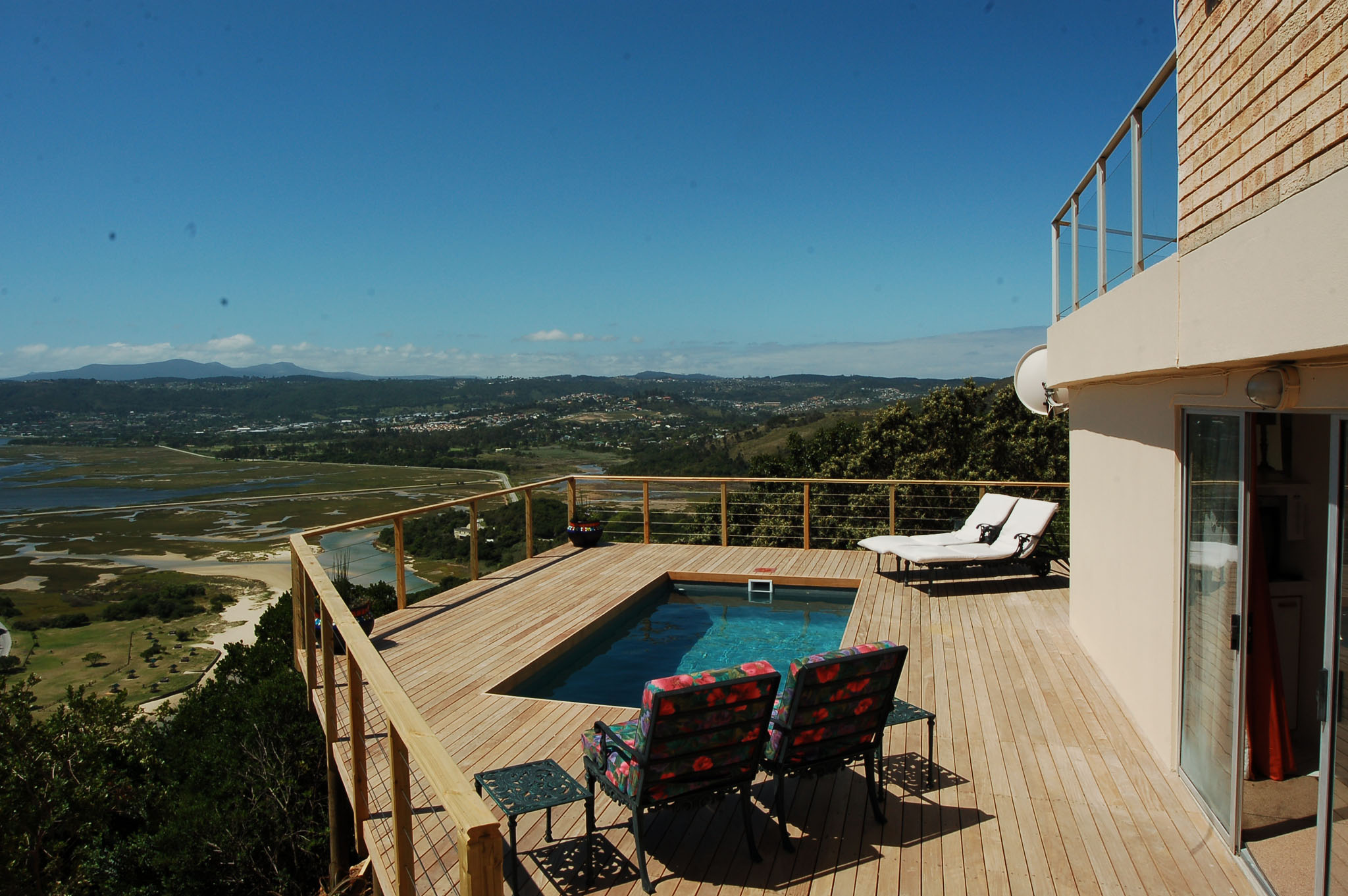 Eagle House, Knysna Heads Accommodation; Leisure Isle - stretched out below
