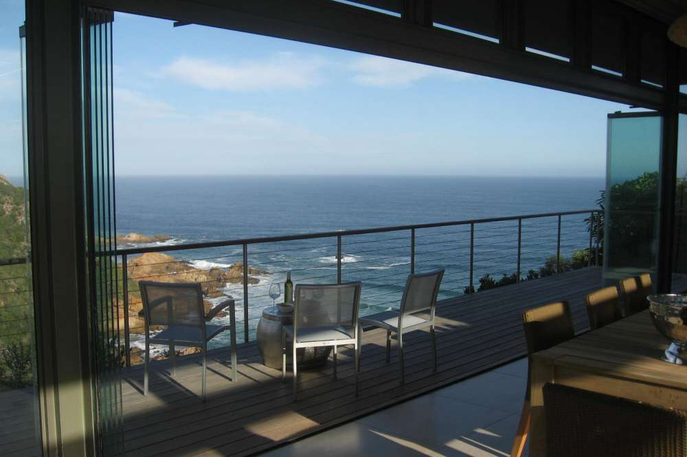 Blue Horizon, Knysna, Golf estate accommodation, A place to sit and reflect