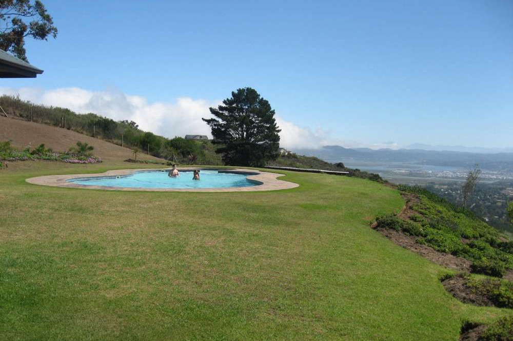 Blue Horizon, Golf estate accommodation; Great views down into Knysna and the lagoon