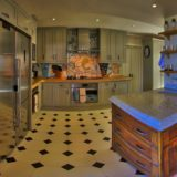 Lookout House, Fully equipped kitchen