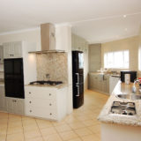 Eagle House, Knysna Lagoon Accommodation, the large and easy to work in kitchen