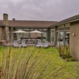 Blue Horizon, Knysna, Golf Estate Accommodation, court yard and entertainment area