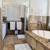 Beach-Cove-Villa-Seaview-accommodation-Plett-Bedroom-4-Main-Bedroom-en-suite
