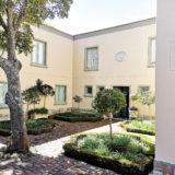 Beach-Cove-Villa-seaview-accommodation-Plett-Beautiful-Courtyard-garden
